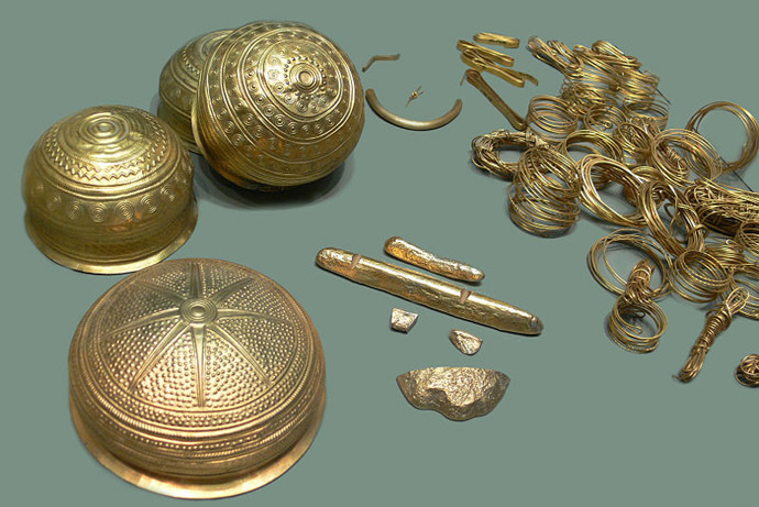 Items from the Treasure of Eberswalde (from a replica in a German museum) (Photo from Wikipedia)