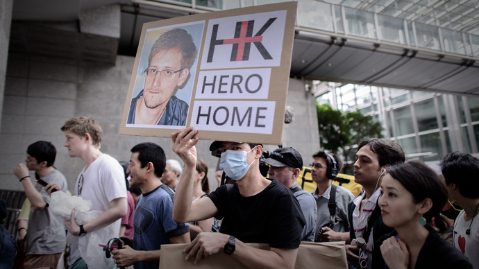 Snowden's plane lands in Havana, NSA leaker not seen aboard