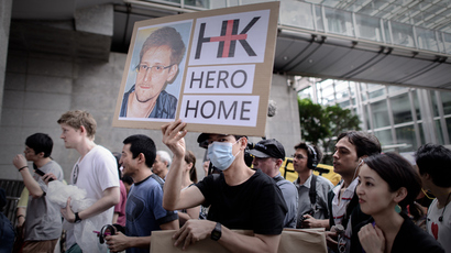 Snowden stops over in Moscow en route to 'third country' with WikiLeaks help