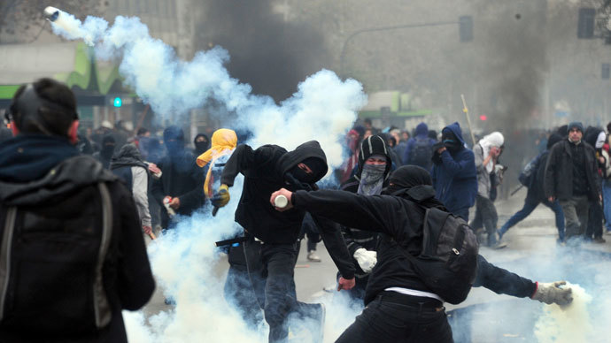 Chile red-hot as student protest turns violent (VIDEO)