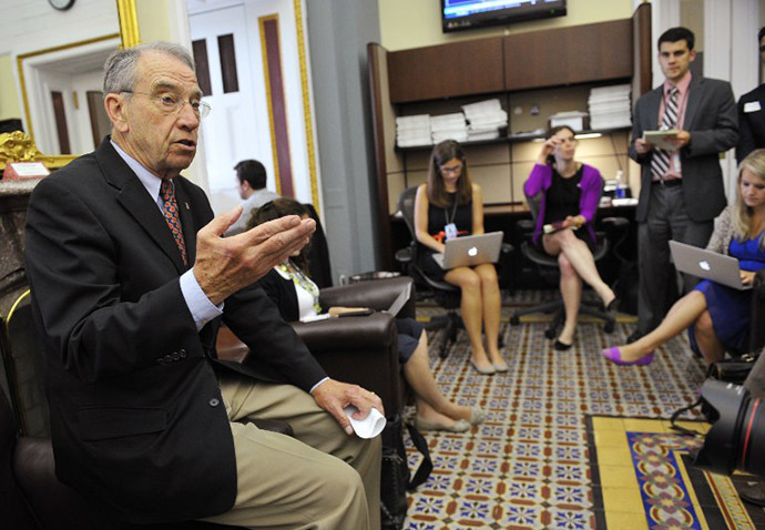 US Senator Chuck Grassley, Republican of Iowa, speaks on immigration during a briefing for reporters at the Capitol on June 27, 2013 in Washington, DC. (AFP Photo / Mandel Ngan)