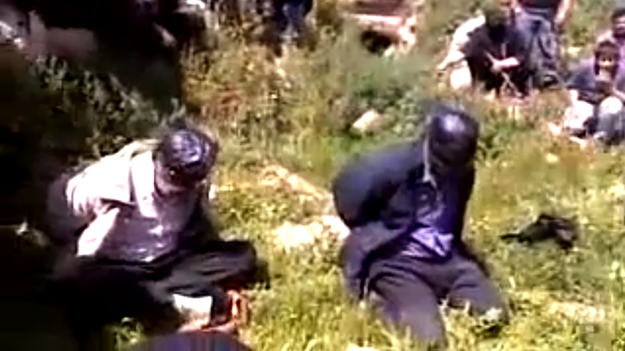 New video of 'Islamist' public beheadings of 'Assad loyalists' surfaces in Syria (GRAPHIC CONTENT)