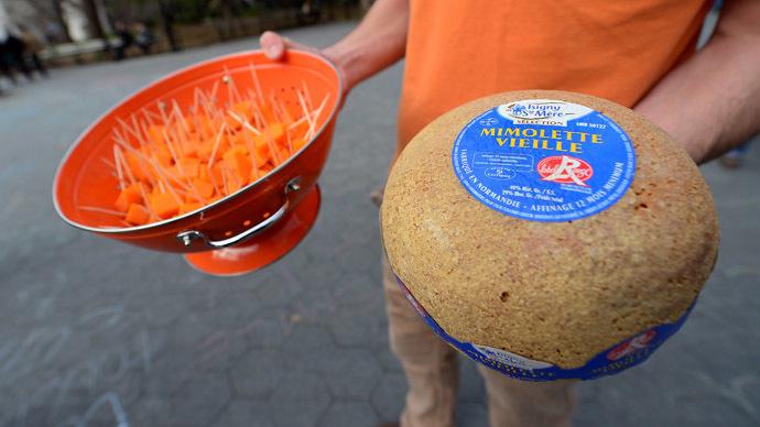 US bans 'putrid' French cheese as transatlantic espionage row may hurt trade