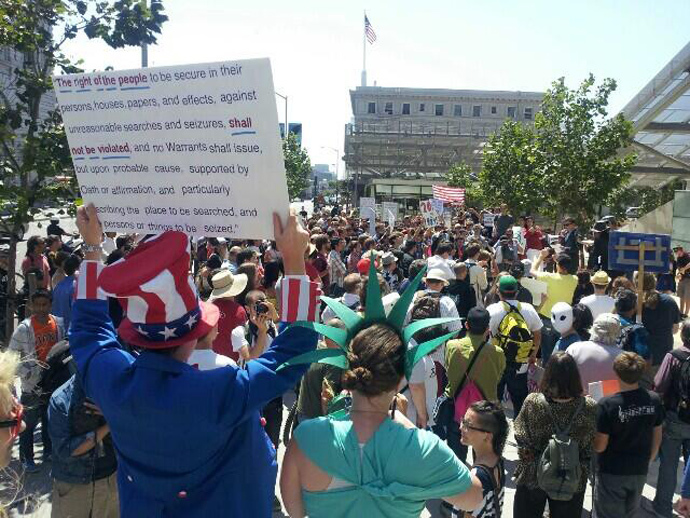 A crowd rallies in San Francisco (image by @RestoreThe4thSF)
