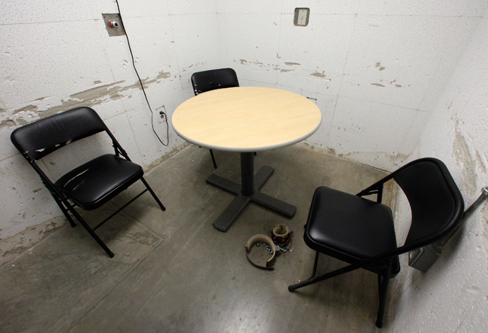 A room used for meetings between lawyers and their clients is seen at Camp VI, a prison used to house detainees at Guantanamo Bay U.S. Naval Base (Reuters / Bob Strong)