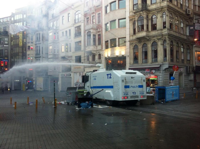 Photo from Twitter/@ayagakalktaksim