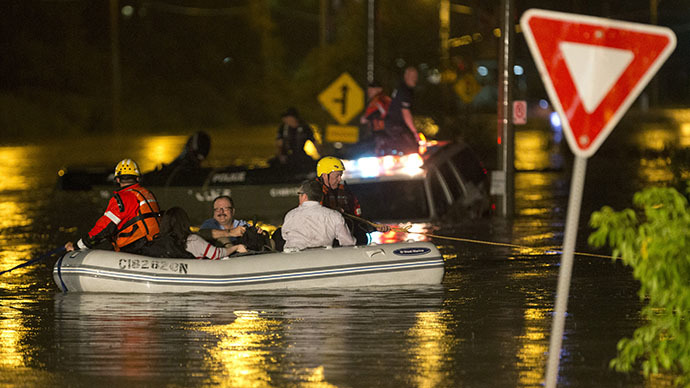 Severe thunderstorms leave Toronto underwater, 300K without power
