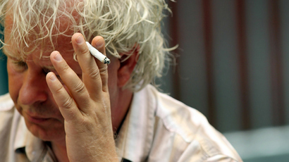 MEPs vote to tighten anti-tobacco laws, target young smokers