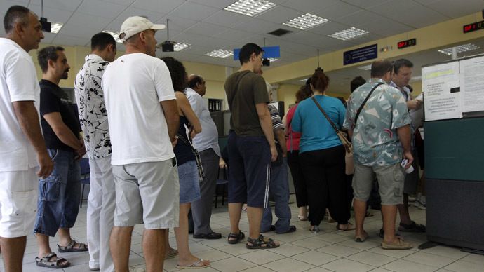 Greek unemployment set new record high in April, 1.3 million out of work