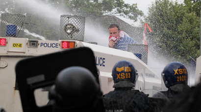 UK police apply pressure on government for water cannons