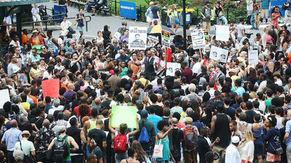 Thousands protest Zimmerman verdict as DoJ vows to restart hate crime inquiry