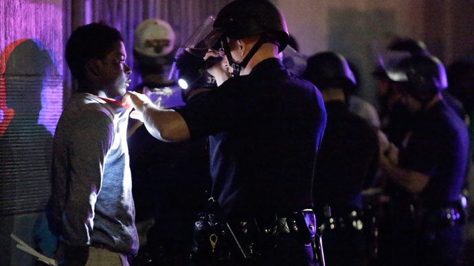 Los Angeles police arrest about a dozen people after a peaceful protest supporting Trayvon Martin turned unlawful in the Leimert Park neighborhood Los Angeles, California, July 15, 2013.(Reuters / Jason Redmond)