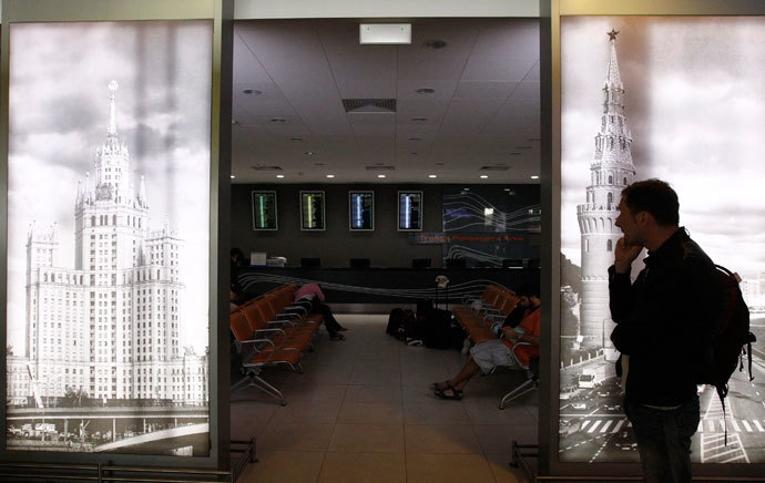 People wait in the transit zone of Terminal F at Sheremetyevo airport in Moscow July 12, 2013.(Reuters / Sergei Karpukhin)