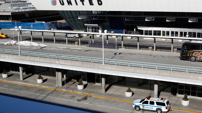 Man dies of heart attack in JFK airport after security doors delay responders