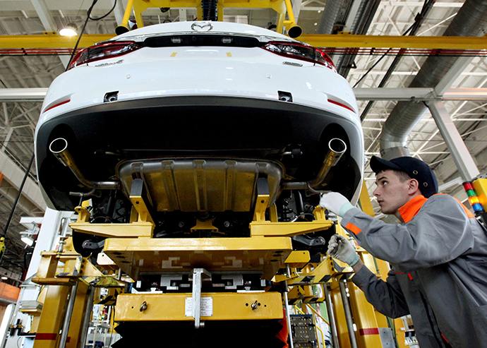 A Class D sedan Mazda 6 car being assembled at the Mazda-Sollers Manufacturing Rus plant in Vladivostok. (RIA Novosti / Vitaliy Ankov)