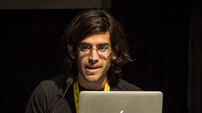 Aaron Swartz's father blasts MIT's claim of neutrality, citing school's own report
