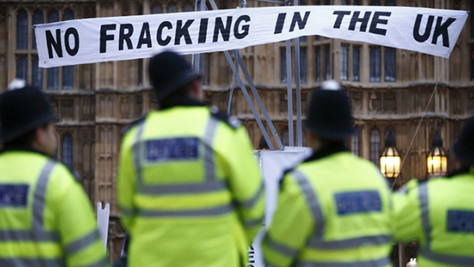 "A banner reading ""No fracking in the UK"" in a protest against hydraulic fracturing for shale gas outside the Houses of Parliament in London (AFP Photo / Justin Tallis)"