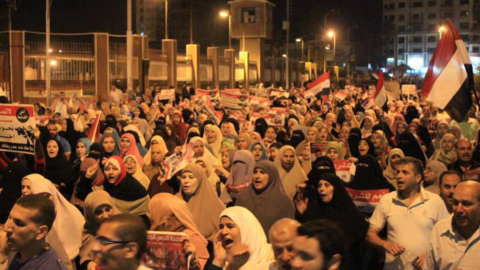9 dead, dozens injured in clashes between pro- and anti-Morsi rallies in Cairo