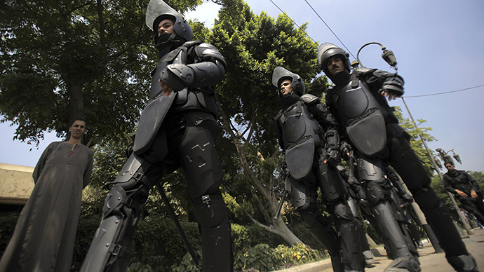 Riot police in Cairo (Reuters / Amr Dalsh)