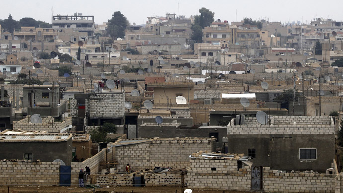 Russia: Al-Qaeda-linked extremists hold 200 Kurdish civilians hostage as 'live shield' in Syria