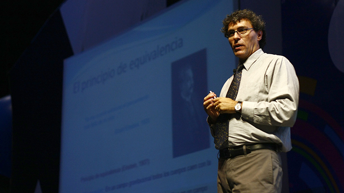 Mexican physicist Dr. Miguel Alcubierre (Image from flickr.com user@campuspartymexico)