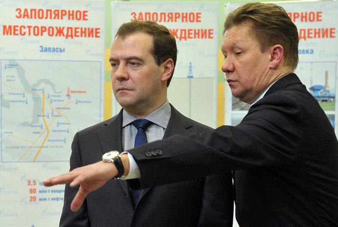 Russian Prime Minister Dmitry Medvedev (L) and Gazprom chairman Alexei Miller (RIA Novosti/Alexander Astafyev)