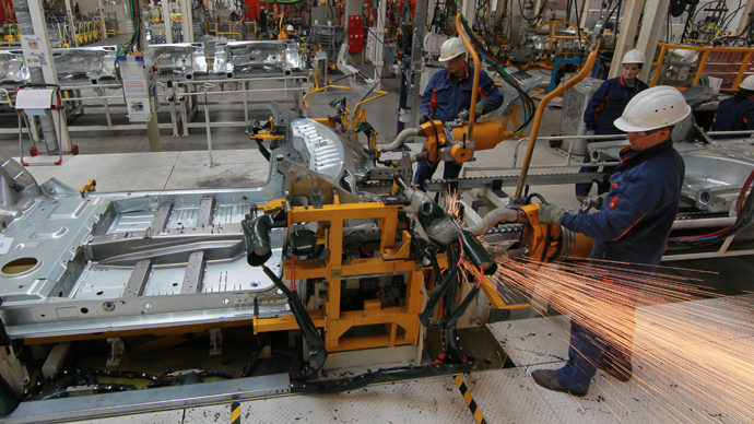 Russia's manufacturing contracts in July to 3.5 year low