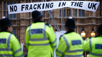 Cameron seduces Brits with £100k to win fracking support
