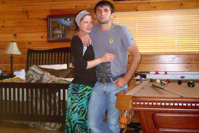 Reniya Manukyan seen with her husband, Ibragim Todashev. (Image from vk.com)