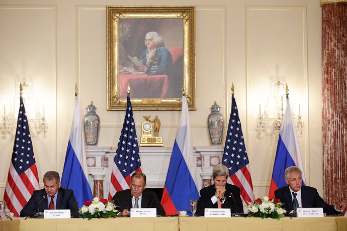 (L-R) Russian Defense Minister Sergey Shoygu, Russian Foreign Minister Sergey V. Lavrov, U.S. Secretary of State John Kerry, and U.S. Defense Secretary Chuck Hagel meet at the U.S. State Department on August 9, 2013 in Washington, DC (AFP Photo)