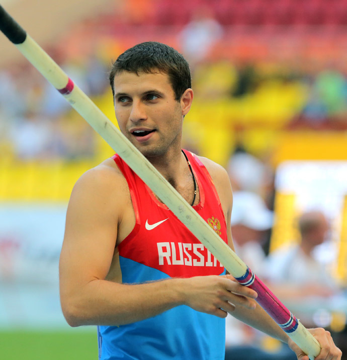 Russia's Alexander Gripich during the qualifying round of the men's pole vault at the World Athletics Championships in Moscow. (RIA Novosti/Vitaliy Belousov)