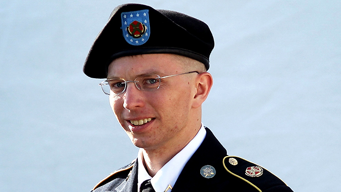 Manning's anger, emotional issues made him unfit for intel work – defense attorneys