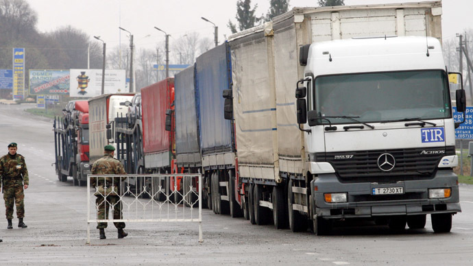 Trade 'suicide': Russia prepares to tighten borders if Ukraine signs on with EU