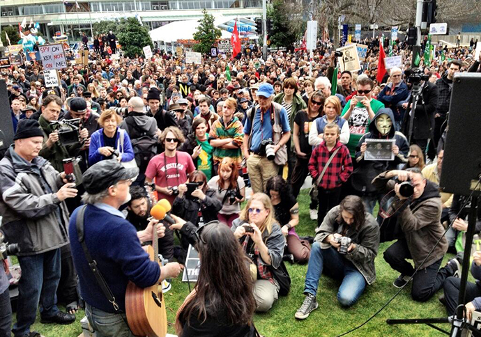 Protest in Auckland, New Zealand over bill to legalize massive govt spying on internet on July 27, 2013 (Image from twitter / @KimDotcom)