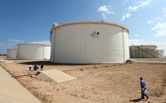 A general view shows the Zawiya oil installation on August 22, 2013 in Zawiya, Libya. (AFP photo / Mahmud Turkia)