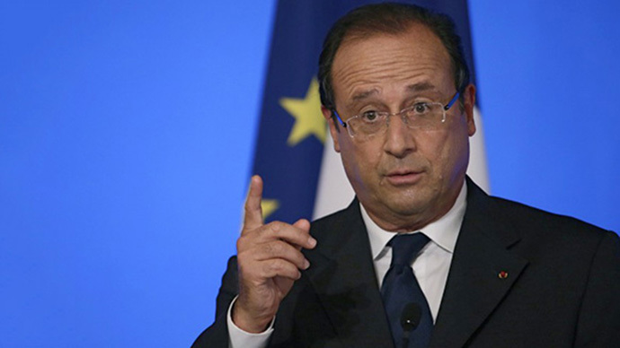 France's president Francois Hollande delivers a speech during the Conference of French ambassadors abroad, on August 27, 2013 at the Elysee palace in Paris. (AFP Photo / Kenzo Trebouillard)