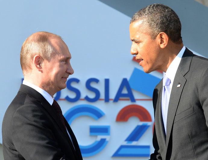 Russia's President Vladimir Putin (L) welcomes US President Barack Obama at the start of the G20 summit on September 5, 2013 in Saint Petersburg.(AFP Photo / Yuri Kadobnov)