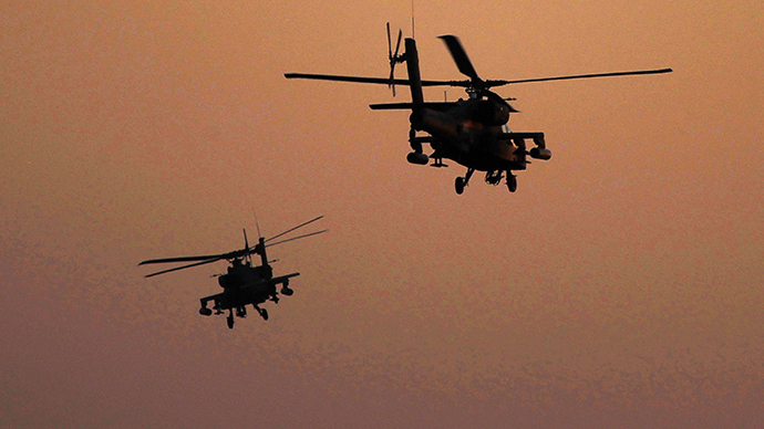 Apache helicopters fly over Tahrir Square, in Cairo (Reuters / Amr Dalsh)