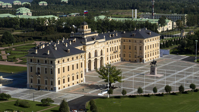 Aerial photo taken on August 29, 2013 shows Constantine Palace which will host on September 5 and 6, 2013 the G20 heads of state and government, heads of invited states and international organisation as part of the G20 Summit in Saint Petersburg. (AFP Photo/Guneev Sergey)