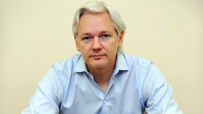 Julian Assange (Reuters / Anthony Devlin / Pool)