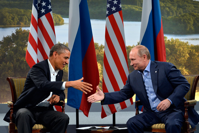 US President Barack Obama (L) holds a bilateral meeting with Russian President Vladimir Putin during the G8 summit at the Lough Erne resort near Enniskillen in Northern Ireland, on June 17, 2013 (AFP Photo / Jewel Samad)