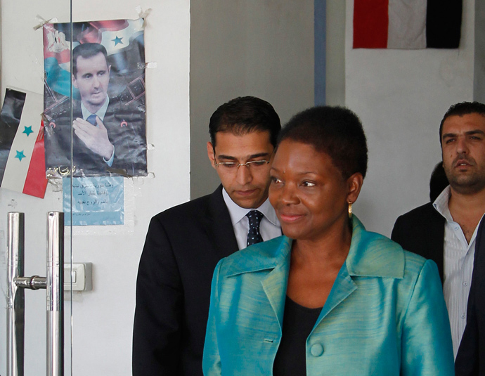 Top U.N. humanitarian official Valerie Amos leaves the Labour Ministry building after a meeting with Syrian officials in Damascus September 5, 2013. (Reuters / Khaled al-Hariri)