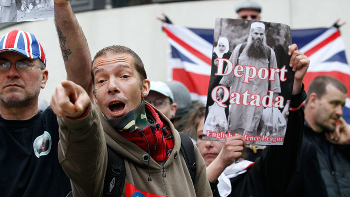 A demonstrator from the far-right English Defence League (EDL) shouts during a protest calling for the deportation of Jordanian preacher Abu Qatada, outside the Home Office in London April 17, 2012.(Reuters / Suzanne Plunkett)