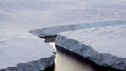 Australian ship stuck in Antarctic ice over Christmas, 70 on board