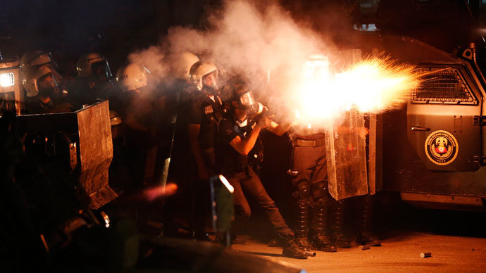 Riot police fire tear gas at protesters during clashes in central Hatay, September 11, 2013.(Reuters / Umit Bektas)