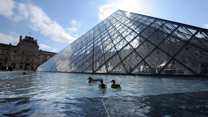 Louvre to move up to 90% artworks over historic flood fears
