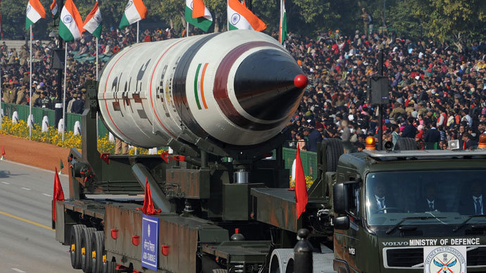 Missile Agni V is displayed during the Republic Day parade in New Delhi on January 26, 2013.(AFP Photo / Raveendran)