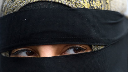 British minister fans flames by backing ban on Muslim face veils in court