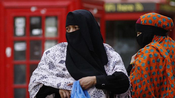 UK hospitals secretly enforcing staff head scarf ban