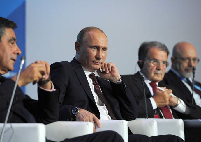 Russian President Vladimir Putin (second left) attending the tenth anniversary meeting of Valdai International Discussion Club in the Novgorod Region, September 19, 2013. (RIA Novosti/ Michael Klimentyev)